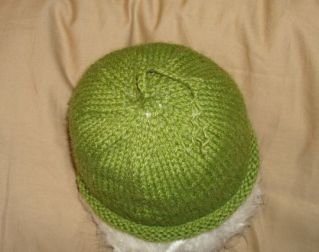 green-baby-hat-top